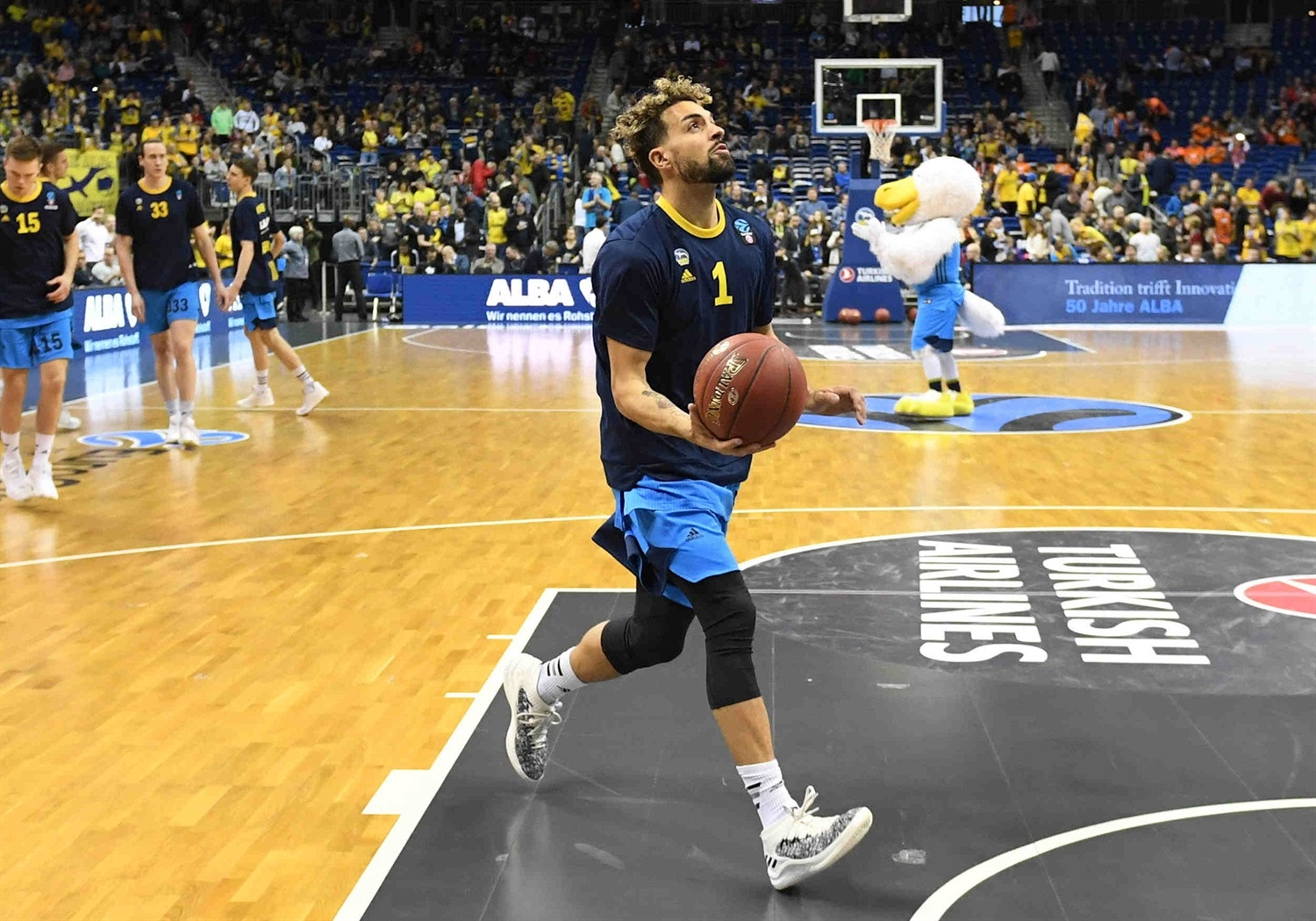 Joshiko Saibou - ALBA Berlin in pregame - Finals Game 2 - EC18