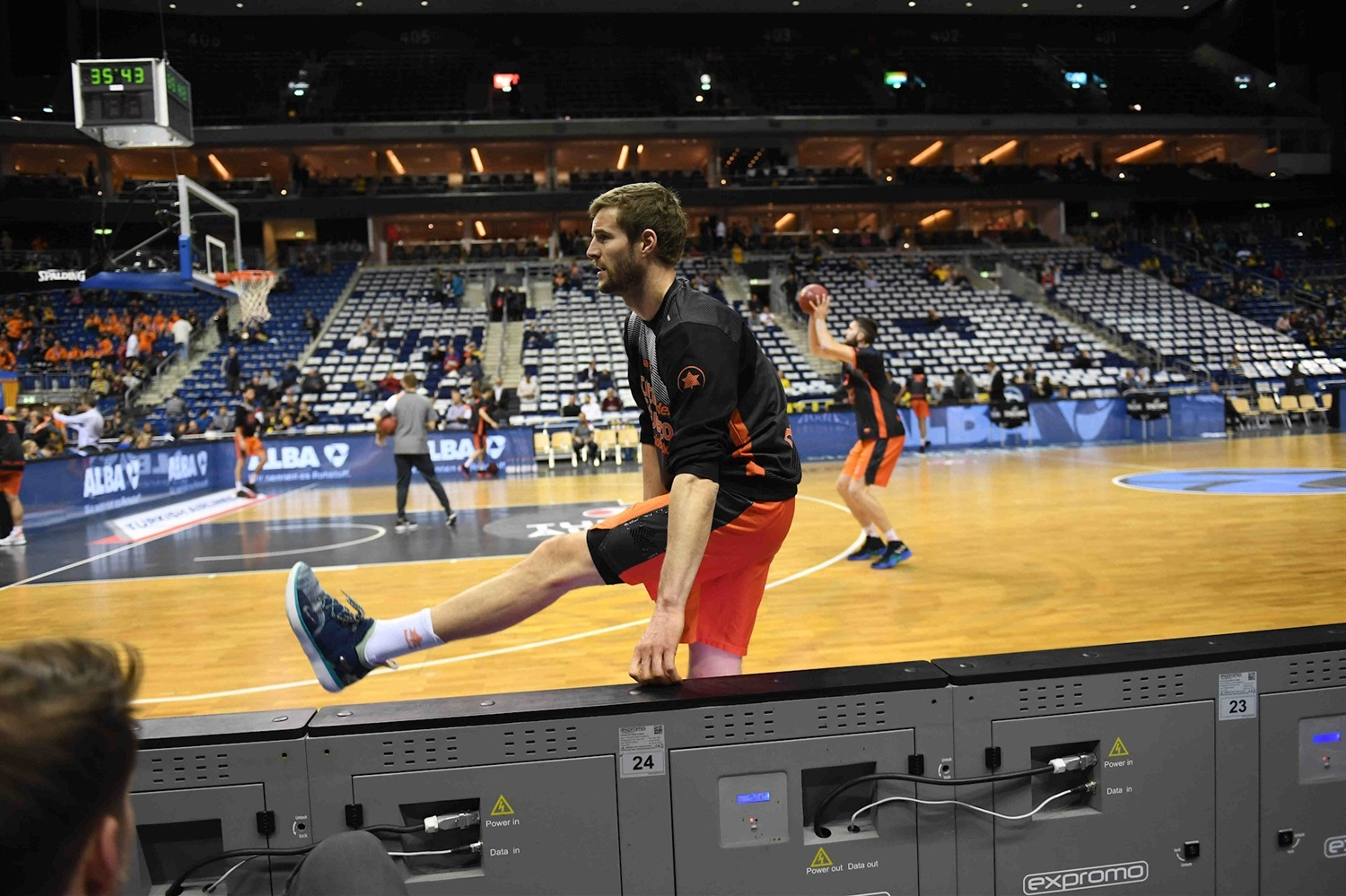 Aaron Doornekamp - Valencia Basket in pregame - Finals Game 2 - EC18