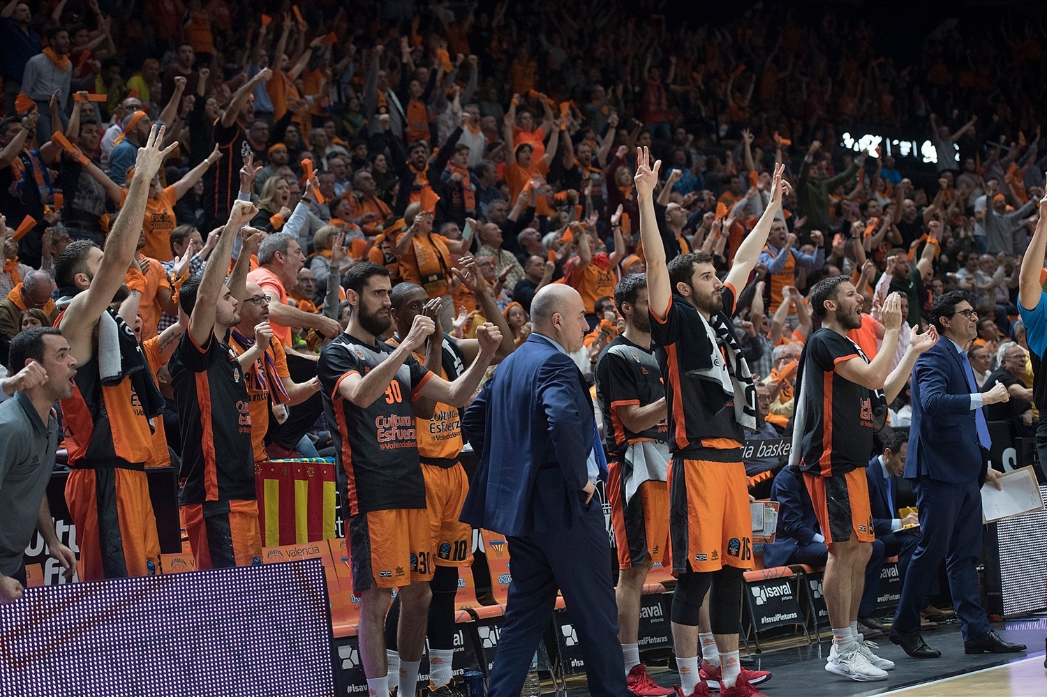 Valencia Basket celebrates - EuroCup Finals Game 3 - EC18
