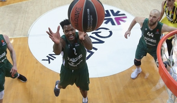 Unicaja lands big man Thompson