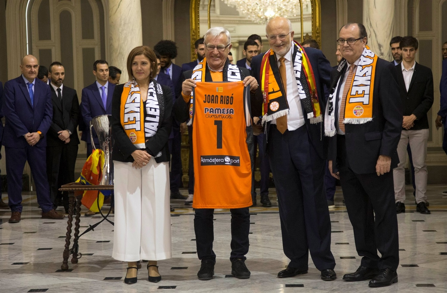Team visit City Hall of Valencia - Valencia Basket celebrates EuroCup champ in Valencia - EuroCup Finals 2018-19 (photo Valencia Basket) - EC18