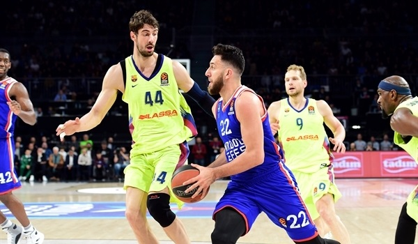 PO Game 1 report: Micic helps Efes beat Barcelona in opener