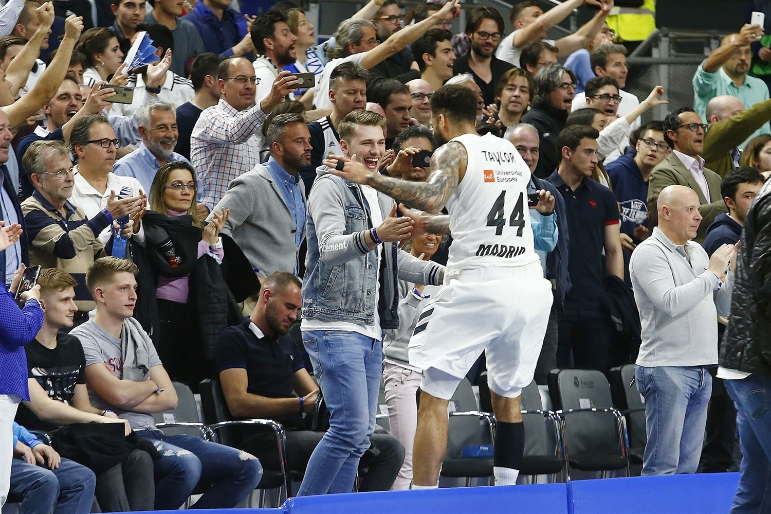 Jeffery Taylor celebrates with Luca Doncic - Real Madrid - EB18