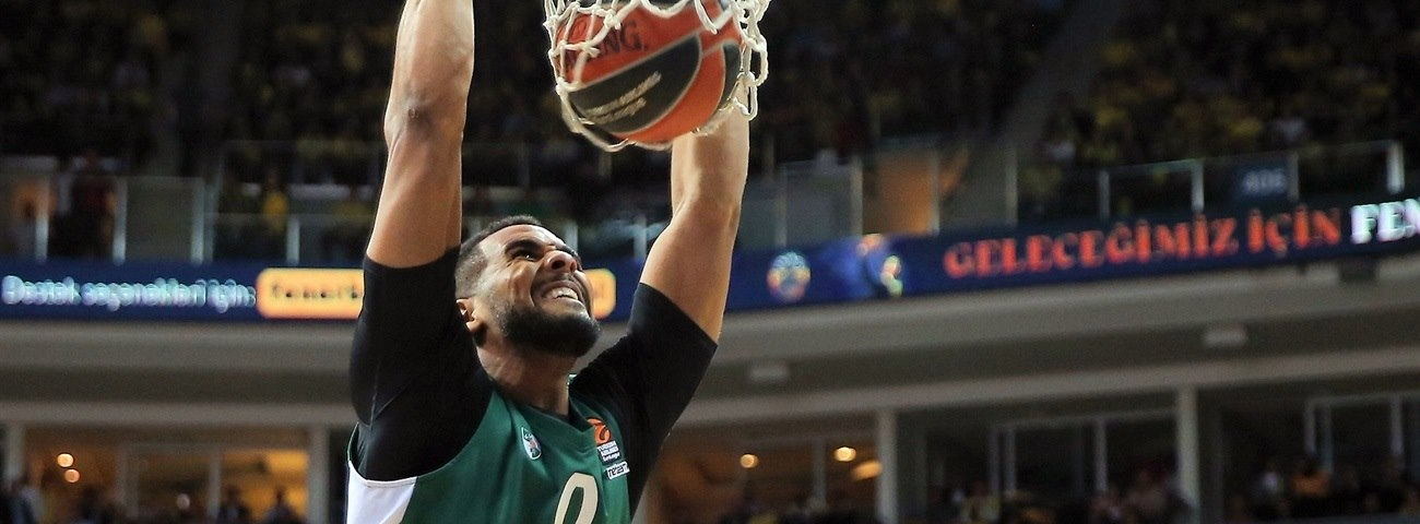 Barcelona brings All-EuroLeague center Davies aboard