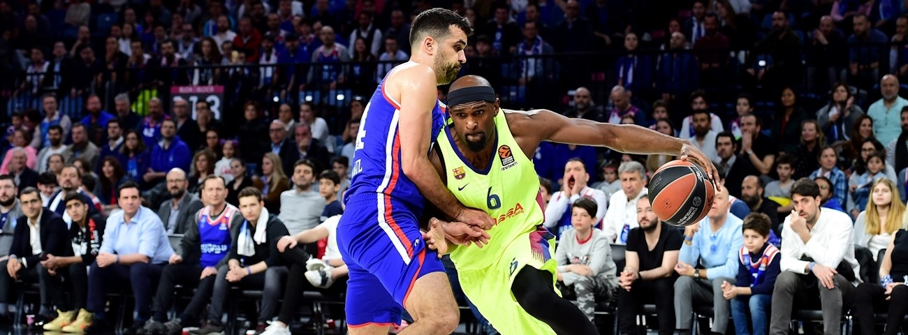 Efes adds experienced forward Singleton