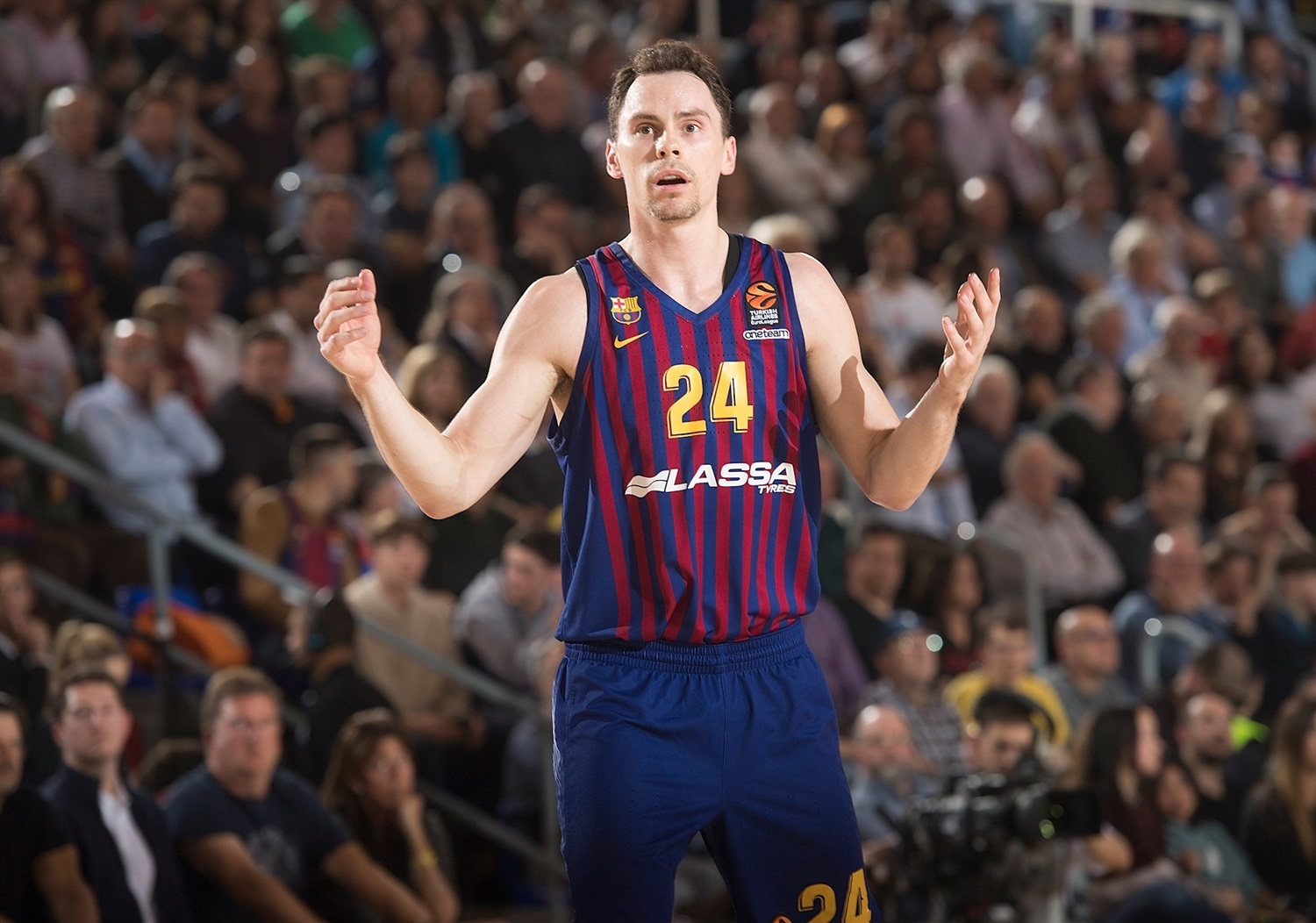 huge selection of 60549 103d7 Playoffs Game 4: FC Barcelona Lassa vs. Anadolu Efes ...