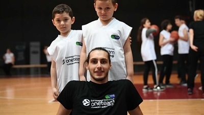 Tofas supports Autism with One Team
