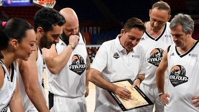 Ivkovic, Pascual analyze the championship game