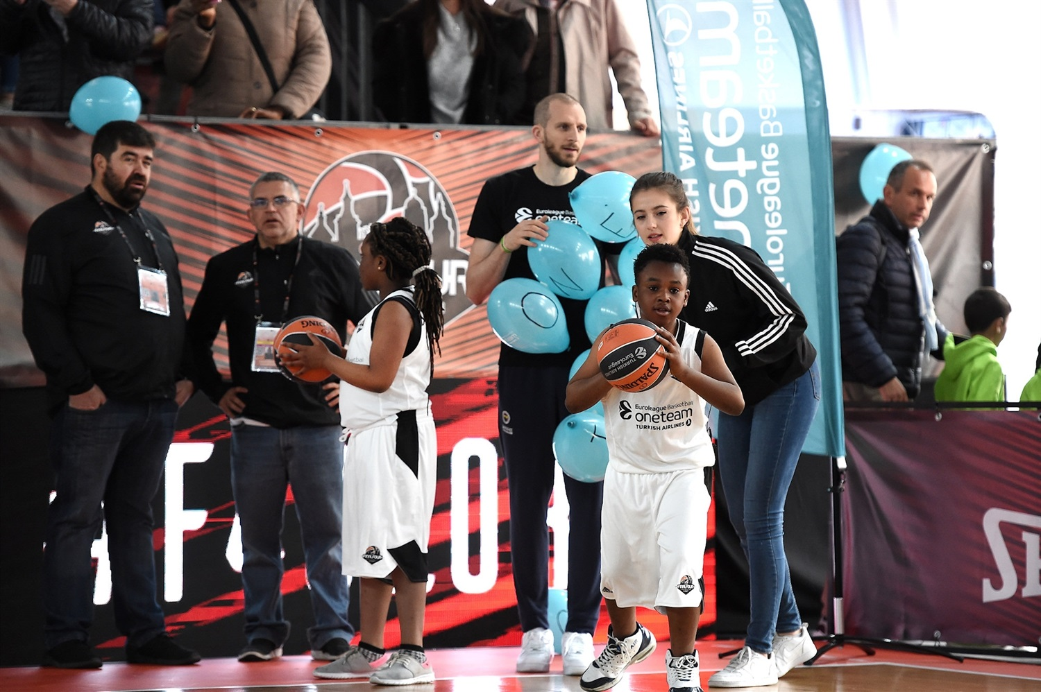 Final Four stars support One Team - Final Four Vitoria-Gasteiz 2019 - EB18