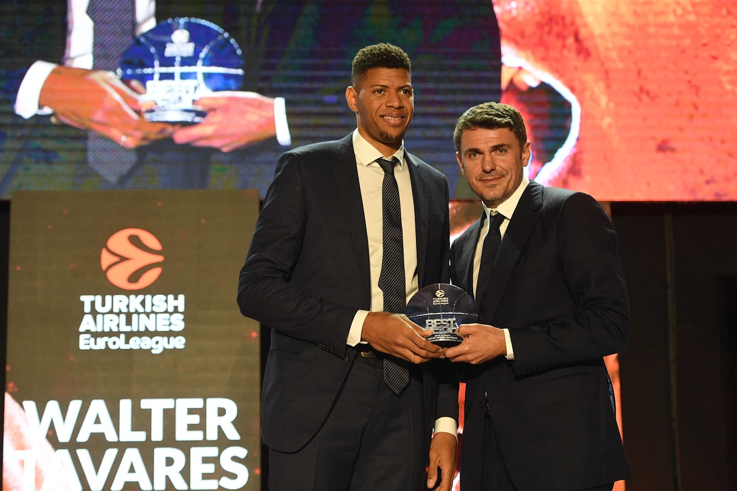 Walter Tavares, Best Defender - 2018-19 Awards Ceremony - Final Four Vitoria-Gasteiz 2019 - EB18