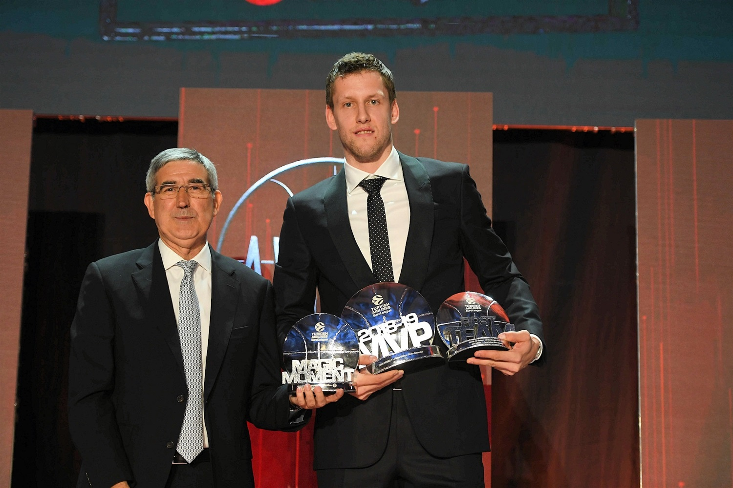 Jan Vesely, MVP - 2018-19 Awards Ceremony - Final Four Vitoria-Gasteiz 2019 - EB18