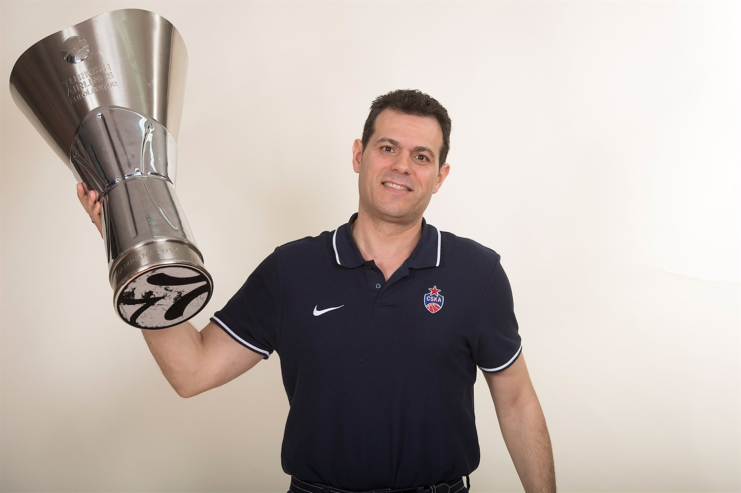 Dimitris Itoudis - CSKA trophy photo shoot - Final Four Vitoria-Gasteiz 2019 - EB18