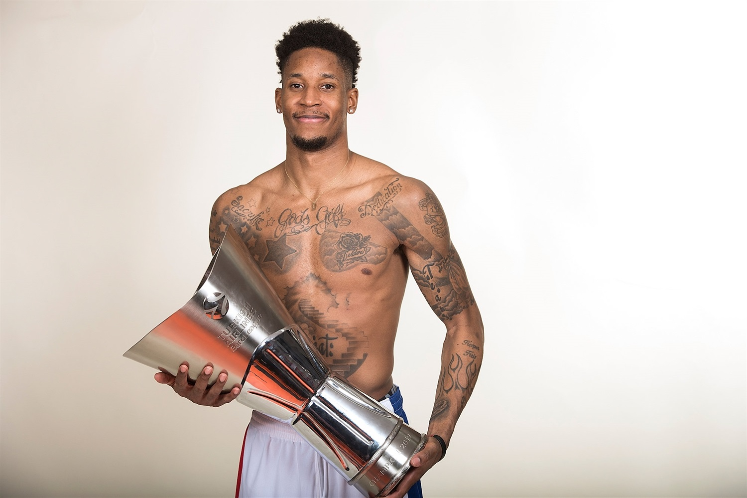 Will Clyburn - CSKA trophy photo shoot - Final Four Vitoria-Gasteiz 2019 - EB18