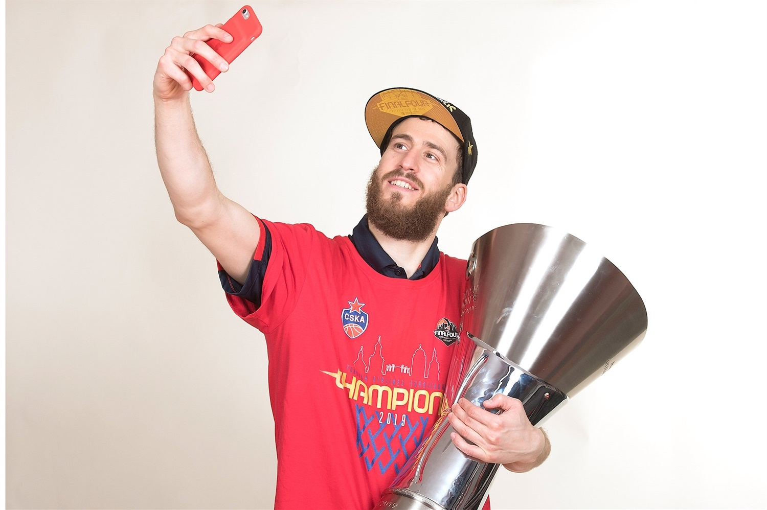 Sergio Rodriguez - CSKA trophy photo shoot - Final Four Vitoria-Gasteiz 2019 - EB18