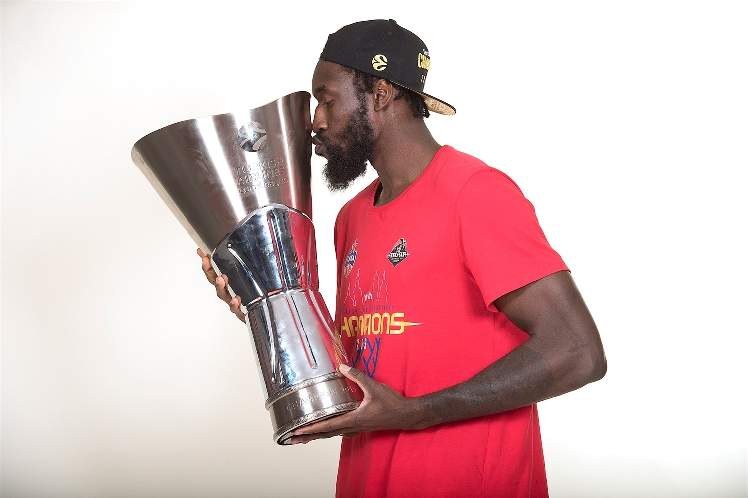 Othello Hunter - CSKA trophy photo shoot - Final Four Vitoria-Gasteiz 2019 - EB18