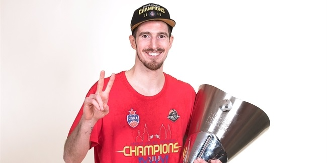 Tribute to the Champs: Nando De Colo
