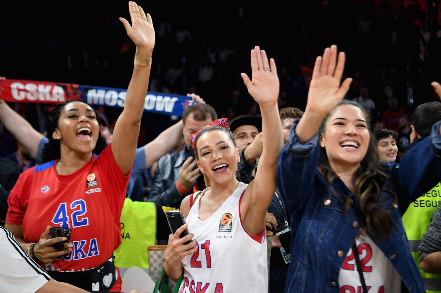 Wifes Hines, Clyburn and Higgins - CSKA Moscow Champ - Final Four Vitoria-Gasteiz 2019 - EB18