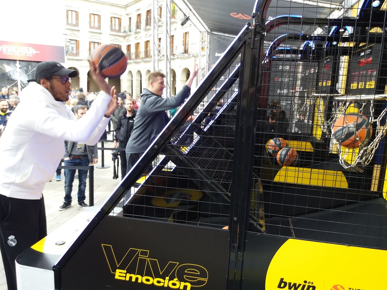 Trey Thompkins and Andrey Vorontsevich - FanZone - Final Four Vitoria-Gasteiz 2019 - EB18