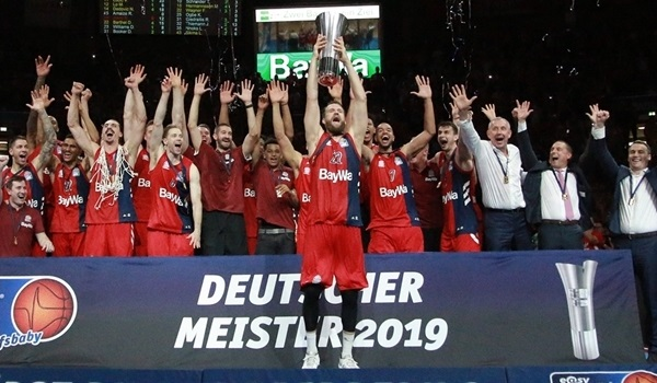 Domestic playoffs: Bayern defends German crown