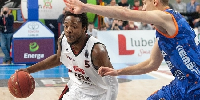 Arka Gdynia adds big man Upson
