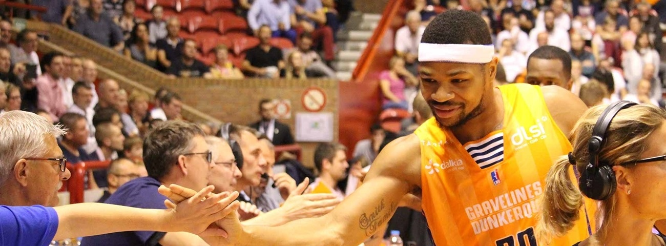 Nanterre adds do-it-all forward Smith