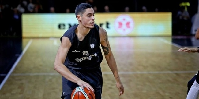 Olympiacos adds guard Koniaris