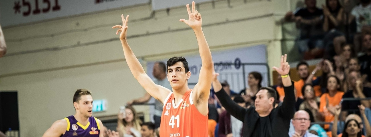 Rishon locks up top prospect Dovrat through 2023