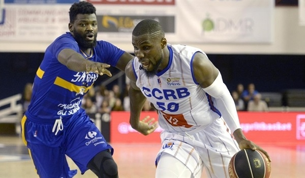 Greens add Bentil to frontcourt