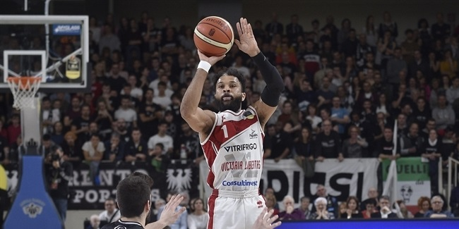 Trento tabs scoring guard Blackmon