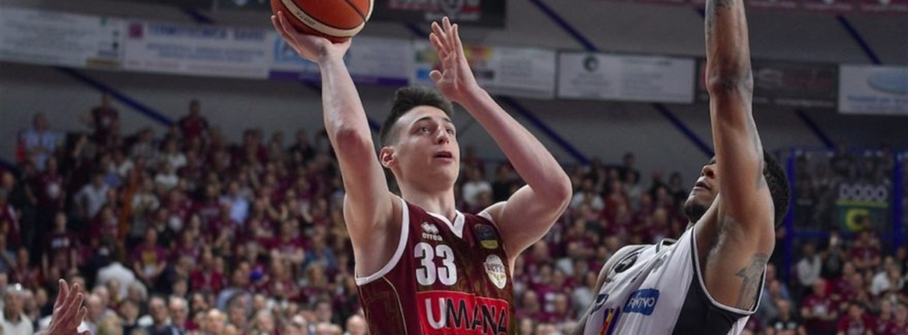 Reyer promotes Casarin to first team