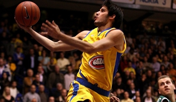 Maccabi brings Casspi back home