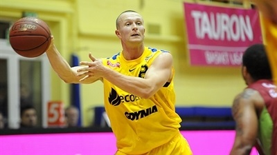 Arka adds depth with Malczyk