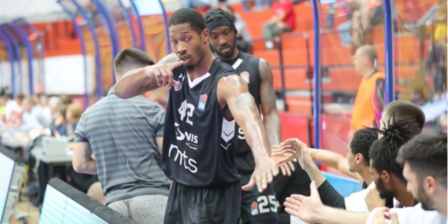Partizan's block party stopped Lokomotiv