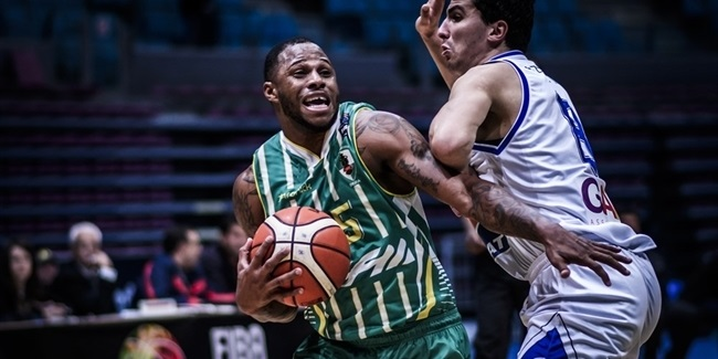 Brescia signs combo guard Warner