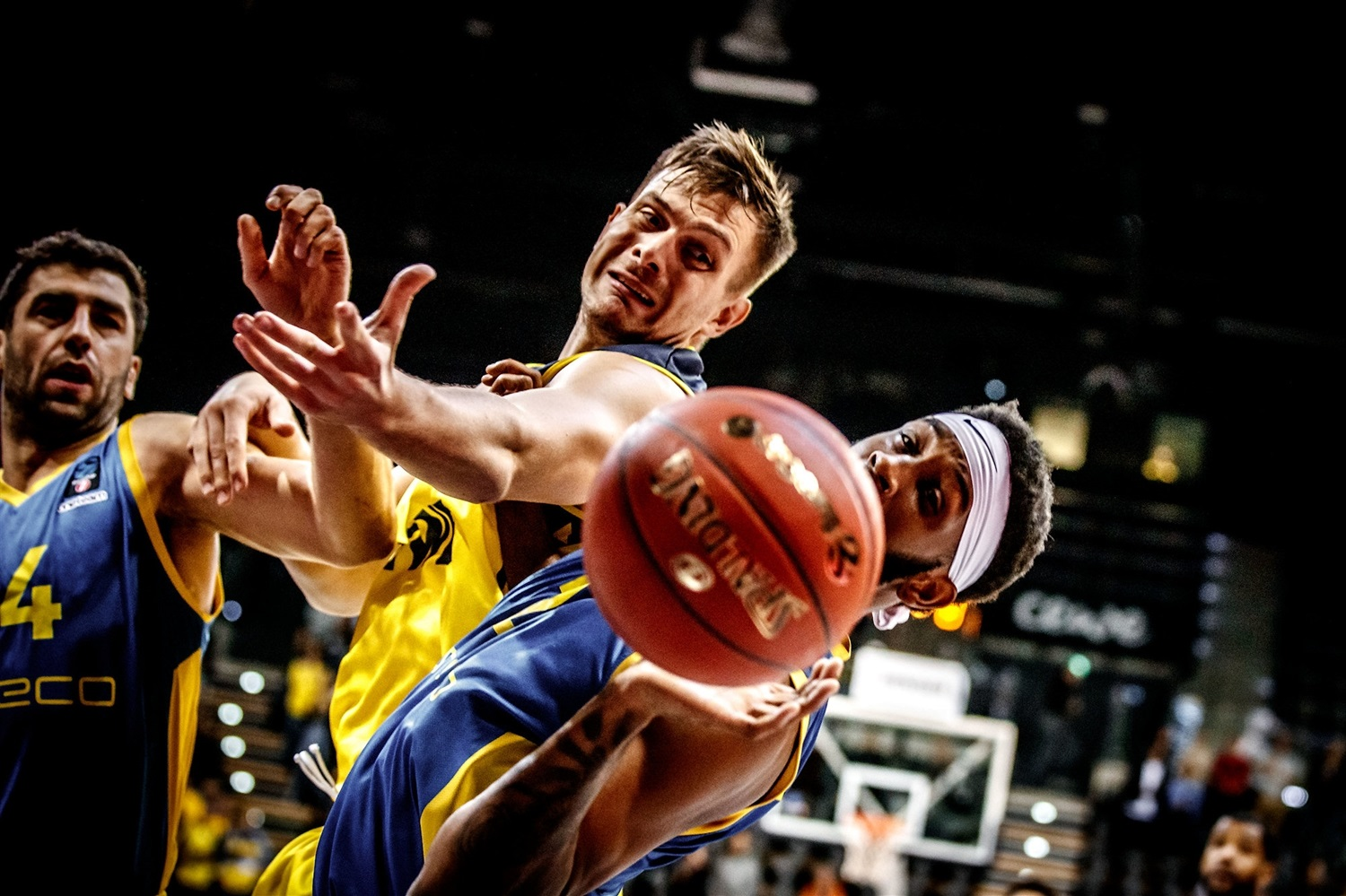 Rasid Mahalbasic - EWE Baskets Oldenburg (photo Ulf Duda - fotoduda.de) - EC19