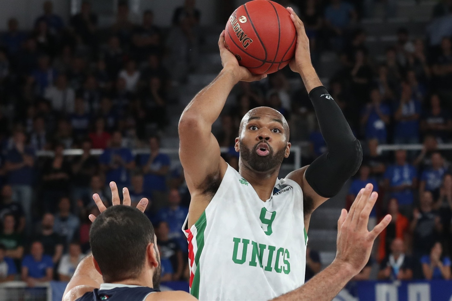 Alex Tyus - UNICS Kazan (photo Brescia) - EC19