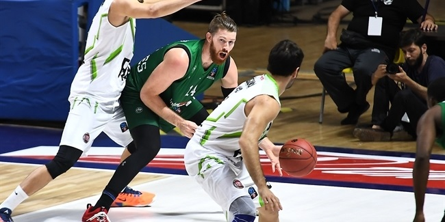 Nanterre, forward Conklin re-unite