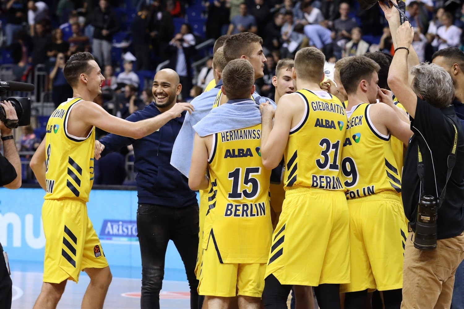 ALBA Berlin celebrates - EB19