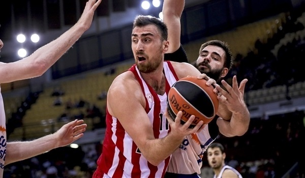 RS02 Report: Olympiacos bounce back in style with Kemzura at the helm
