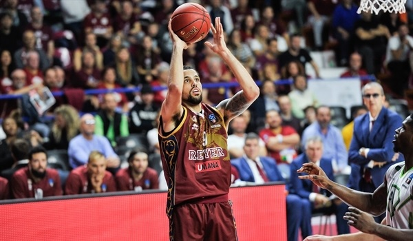 RS03 Report: Reyer dumps Tofas for first victory