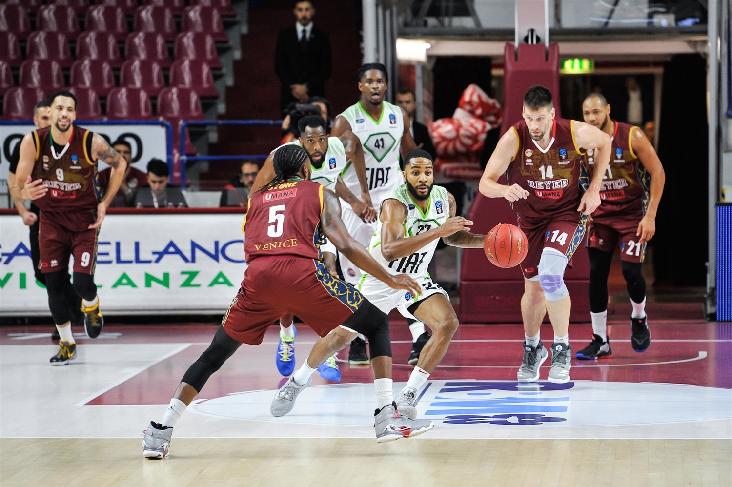 Tarik Phillip - Tofas Bursa (photo Reyer) - EC19