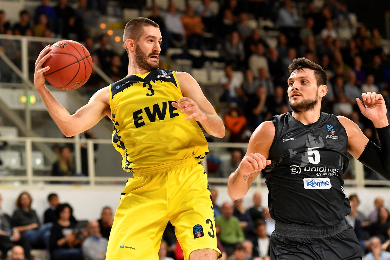 Braydon Hobbs - EWE Baskets Oldenburg (photo Trento) - EC19