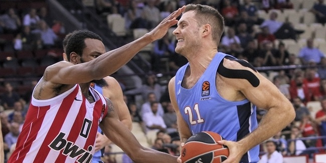Unicaja brings in forward Abromaitis
