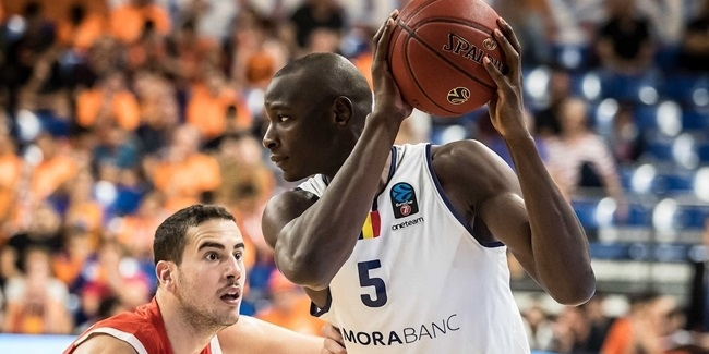 Andorra brings back big man Sy