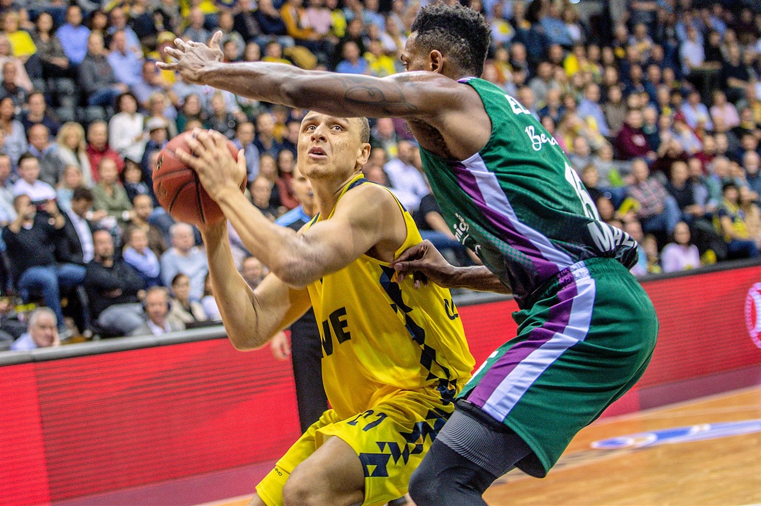 Robin Amaize - EWE Baskets Oldenburg (photo Ulf Duda - fotoduda.de) - EC19