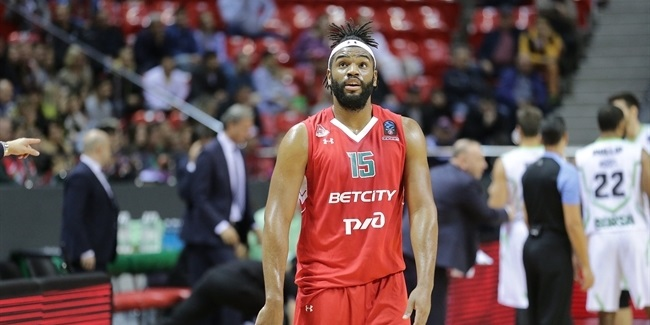 Lokomotiv re-signs big man Williams