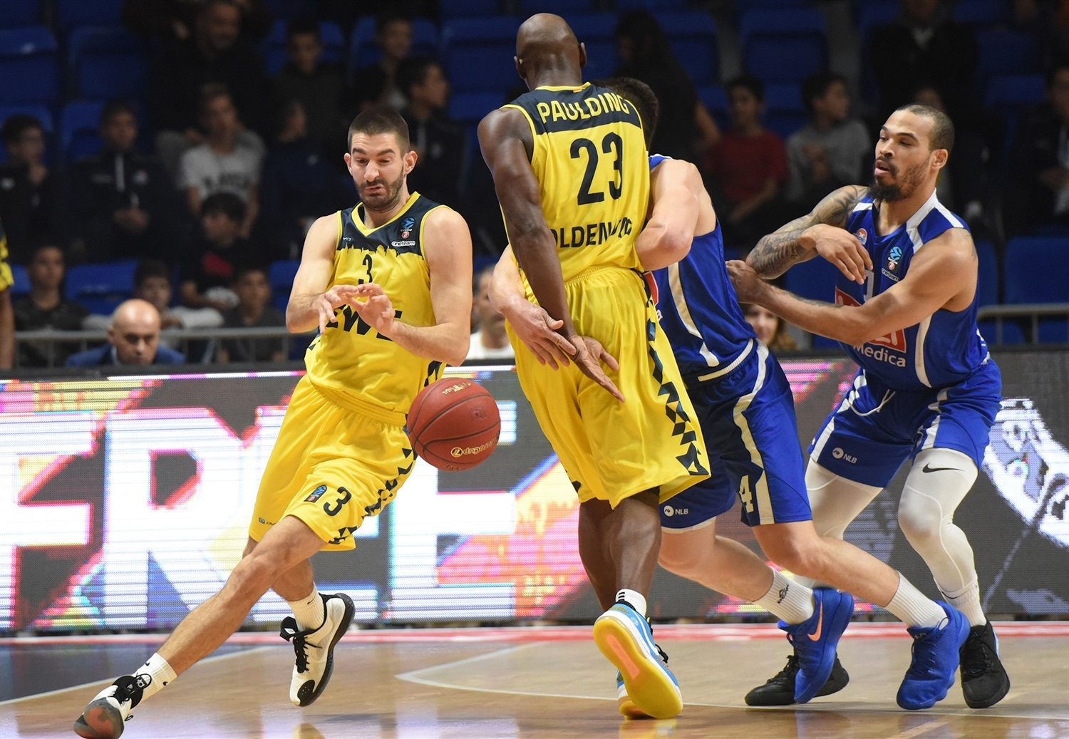 Braydon Hobbs - EWE Baskets Oldenburg (photo Buducnost) - EC19