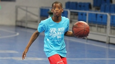 From One Team to the Baskonia Academy: Godson's story