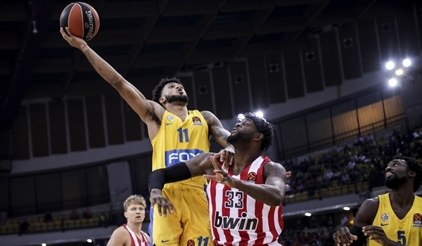 RS06 Report: Maccabi thumps Olympiacos in Piraeus
