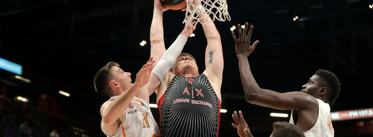 Milan's Gudaitis sidelined with wrist injury
